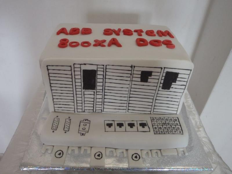 מעוצב כעוגה לחברת אלקטרוניקה
