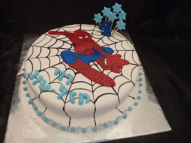ספיידרמן עוגת יום הולדת לבן