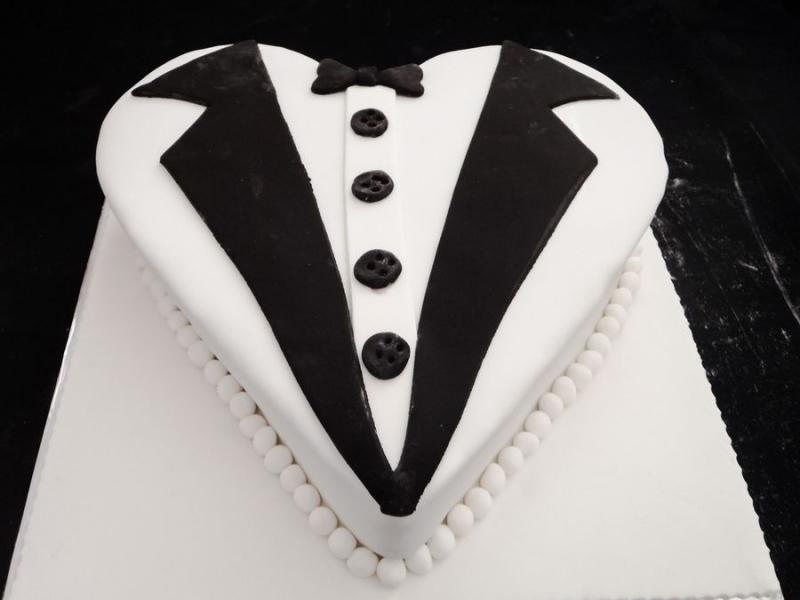 עוגה לחינה לליאור חולצת חתן