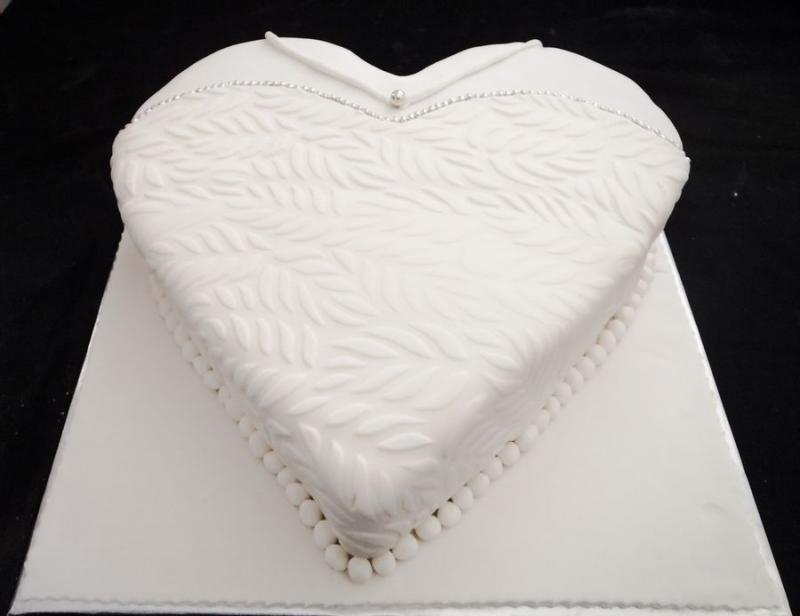 עוגה לחינה ללינוי שמלת כלה
