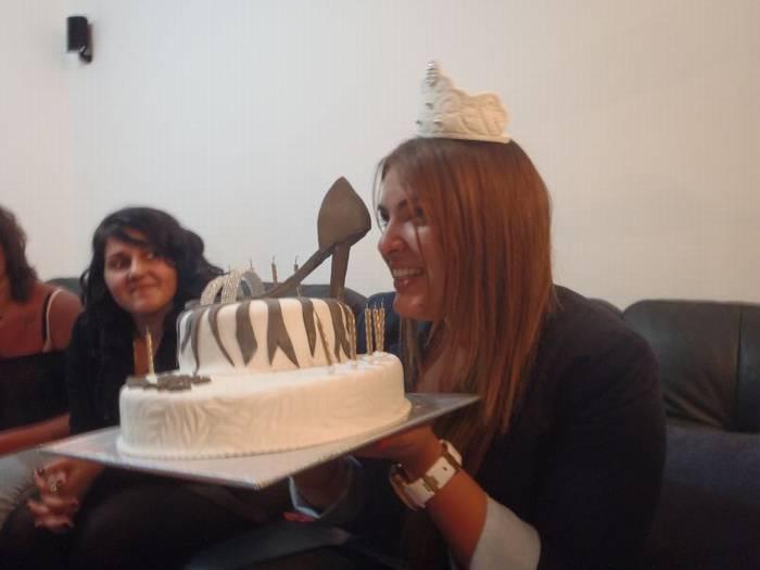עוגה מפוסלת עם נעל אכילה לרותם