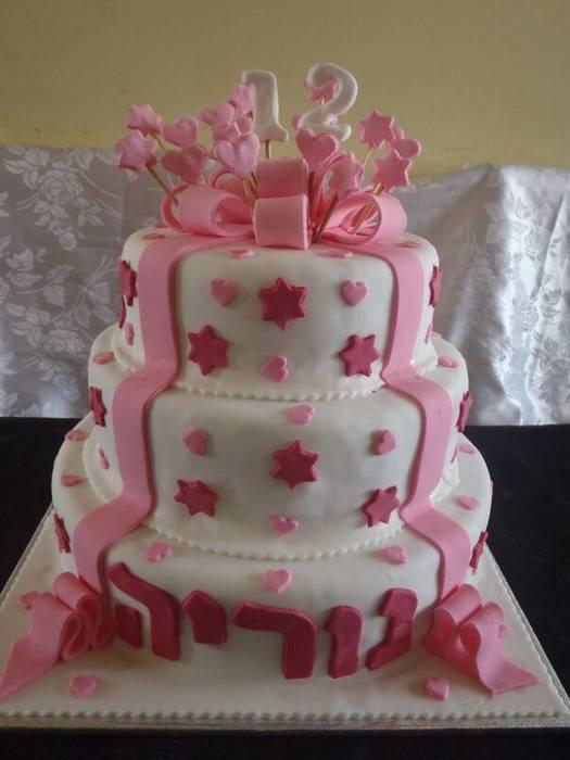 עוגת בת מצווה מתנה 3 קומות
