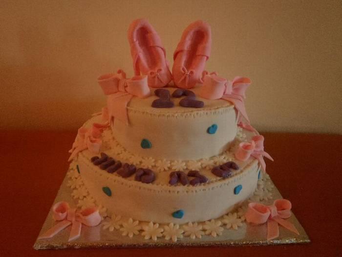 עוגת בת מצווה נעלי בלט ופפיונים