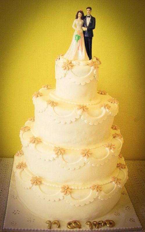 עוגת חתן כלה 4 קומות לסיוון ורן