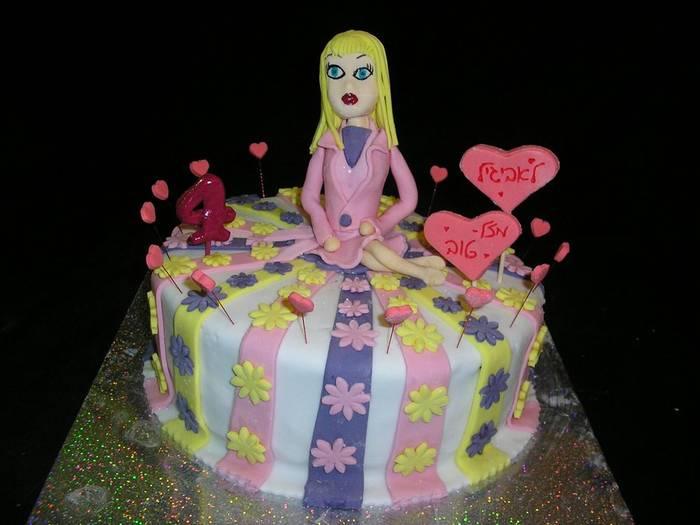 עוגת יום הולדת פרחים ו בובה לבת