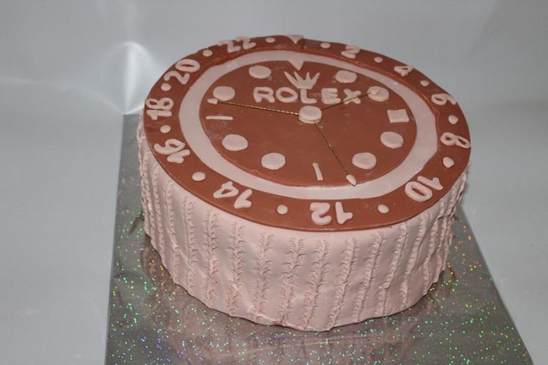עוגת יום הולדת שעון כעוגה