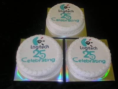 עוגת כנס חגיגות ה 25 logitech