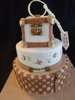 עוגת לואי וויטון  3 קומות