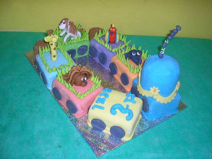 עוגת שוקולד ליום הולדת רכבת חיות